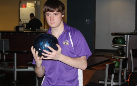 Senior bowling captain sets example for team