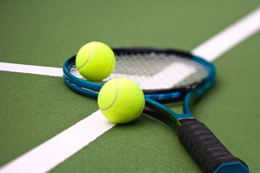 Girls tennis heads to playoffs for 4th straight year