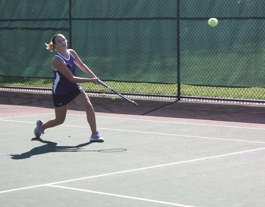Freshman+leads+tennis+to+playoffs
