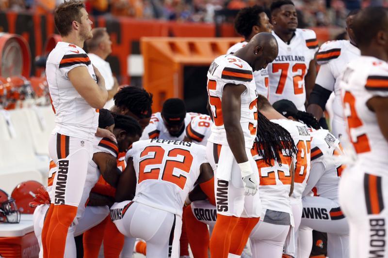 Baldwin students split over anthem issue