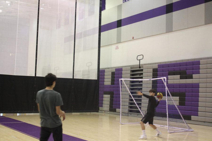 Student throws ball at Speedball tournament