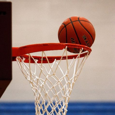 Boys basketball picked up two big wins over the weekend.