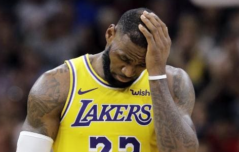 Lakers fail to meet expectations
