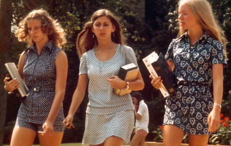 70s fashion trends step back into style