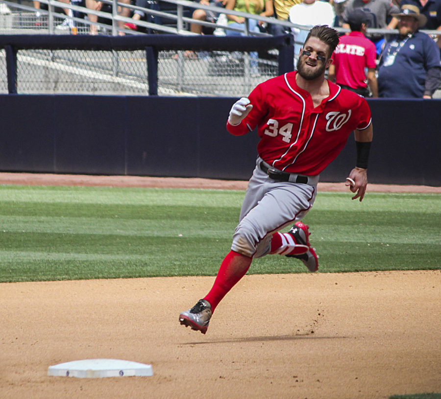 Bryce Harper is at the top of a series of important trades in the MLB.
