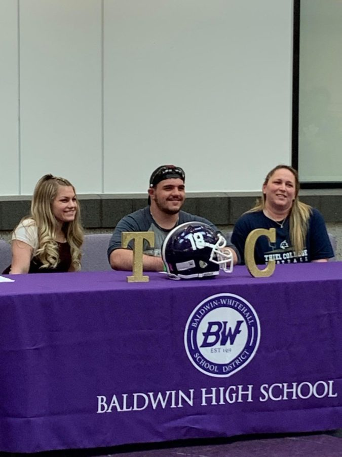 Senior Noah Bartic signed to play football at Thiel College