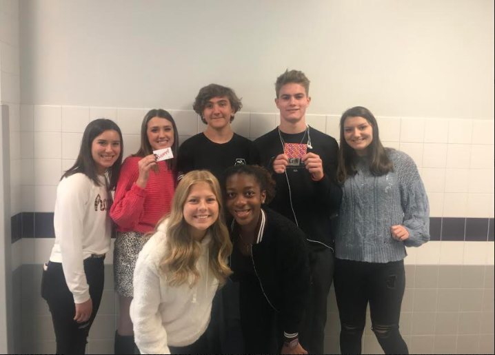 Junior class officers hope to give back to the community through their new project. Back row L-R Kaylee Carlins, Lexi Kilburn, Jeffery Natter, CJ Lucas, Taylor Mincin Front row L-R Julia Stipetic, Mariah Jones