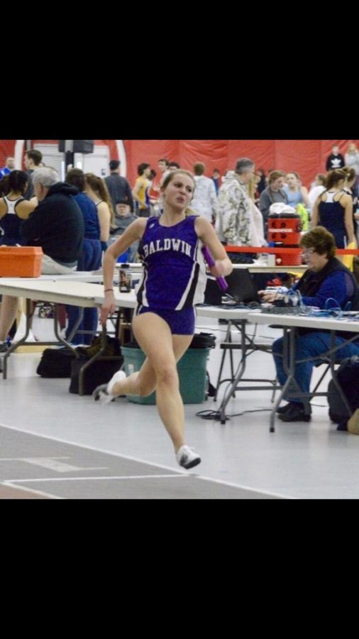 Baldwin+senior+Tori+Tamborino+competes+in+an+indoor+track+meet.
